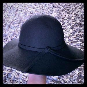 Black classy hat, 100% wool